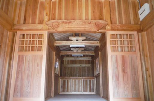 神社の改築工事