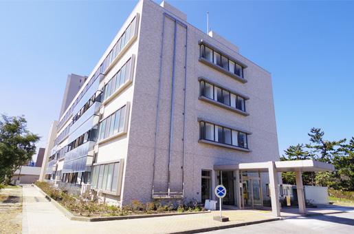 新潟地方合同庁舎書庫棟