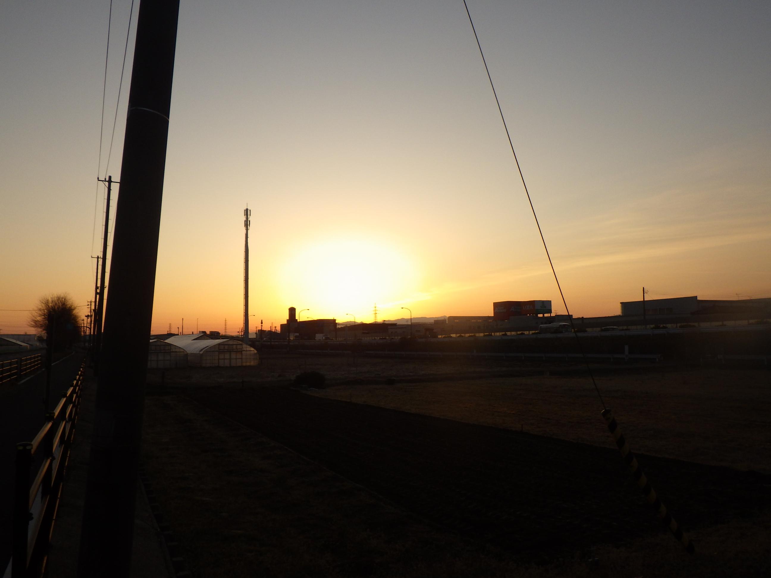 3月31日新潟市の日の出前・・・・・